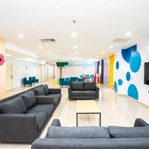7 - lounge area